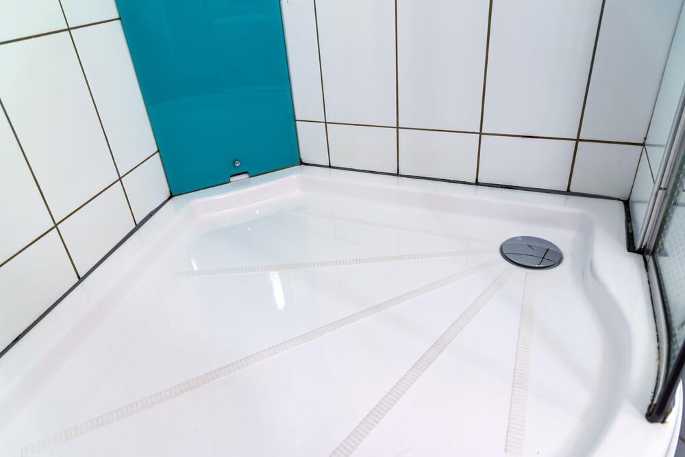 Ha eldugult a zuhanytálca