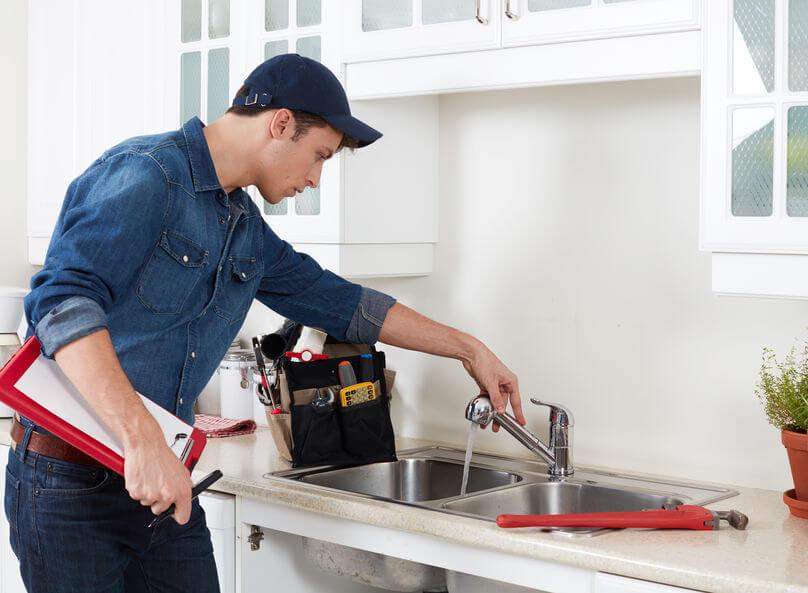 A duguláselhárítás fix áron nyáron is megbízható szolgáltatás!